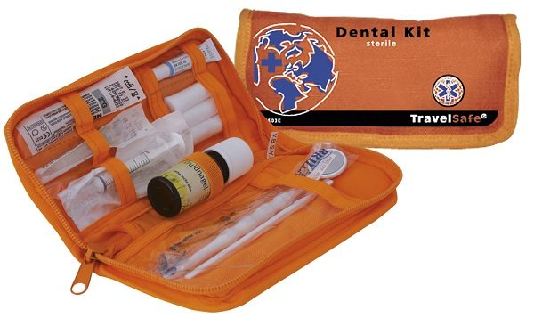 Oranje open en gesloten Travelsafe Dental kit (14 delig)